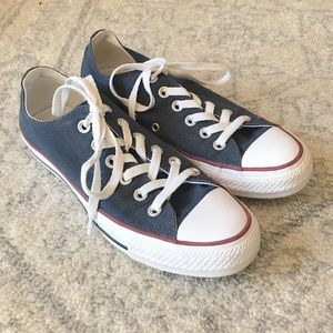 Navy Converse Low-Top Tennis Shoes